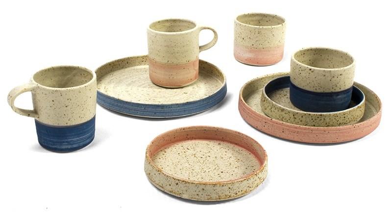 Двухцветная керамическая посуда
