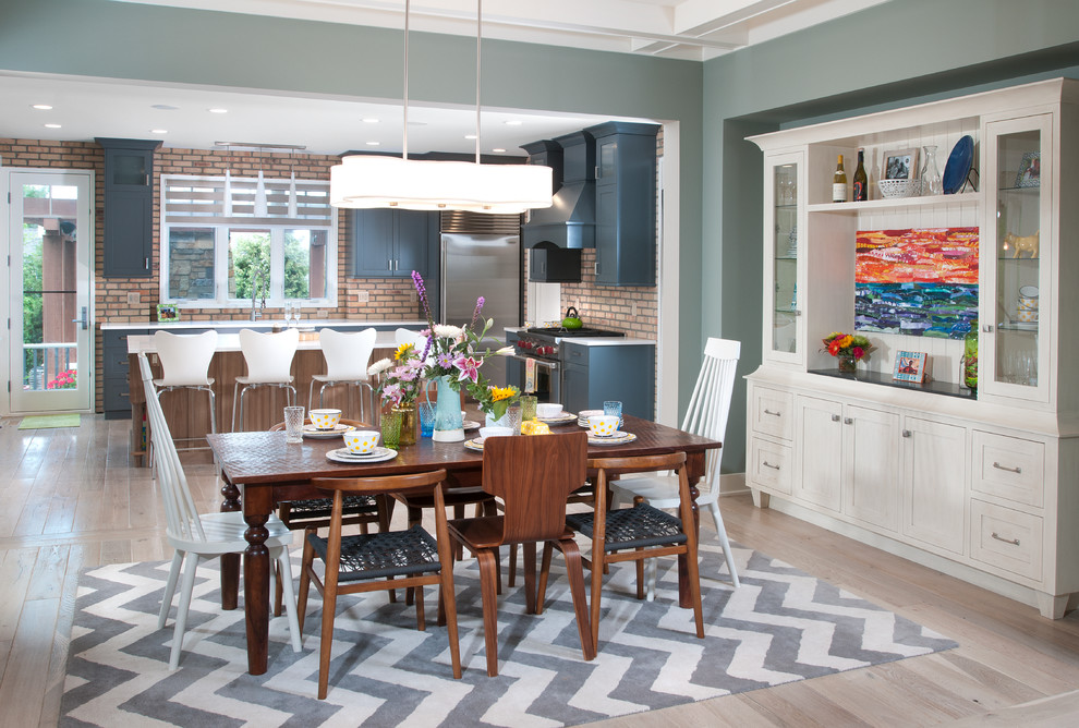 Прекрасное оформление столовой и кухни в стиле эклектика