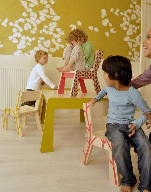 Оригинальные стульчики из натуральной древесины от Kidsonroof