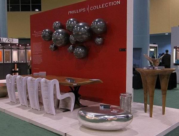 Уникальные столы, стулья и элементы декора на выставке