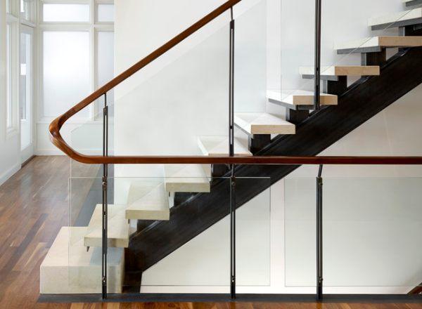 Перила для лестниц: самые удобные и безопасные проекты (110 фото)