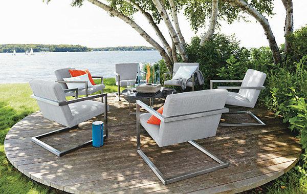 Кресла у озера