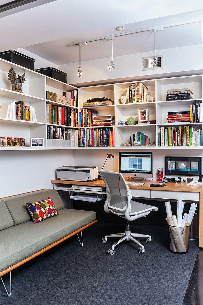 Роскошное белое кресло в интерьере домашнего кабинета