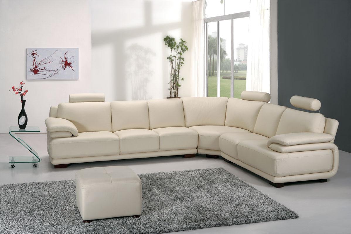 Чудный мягкий угловой диван в интерьере