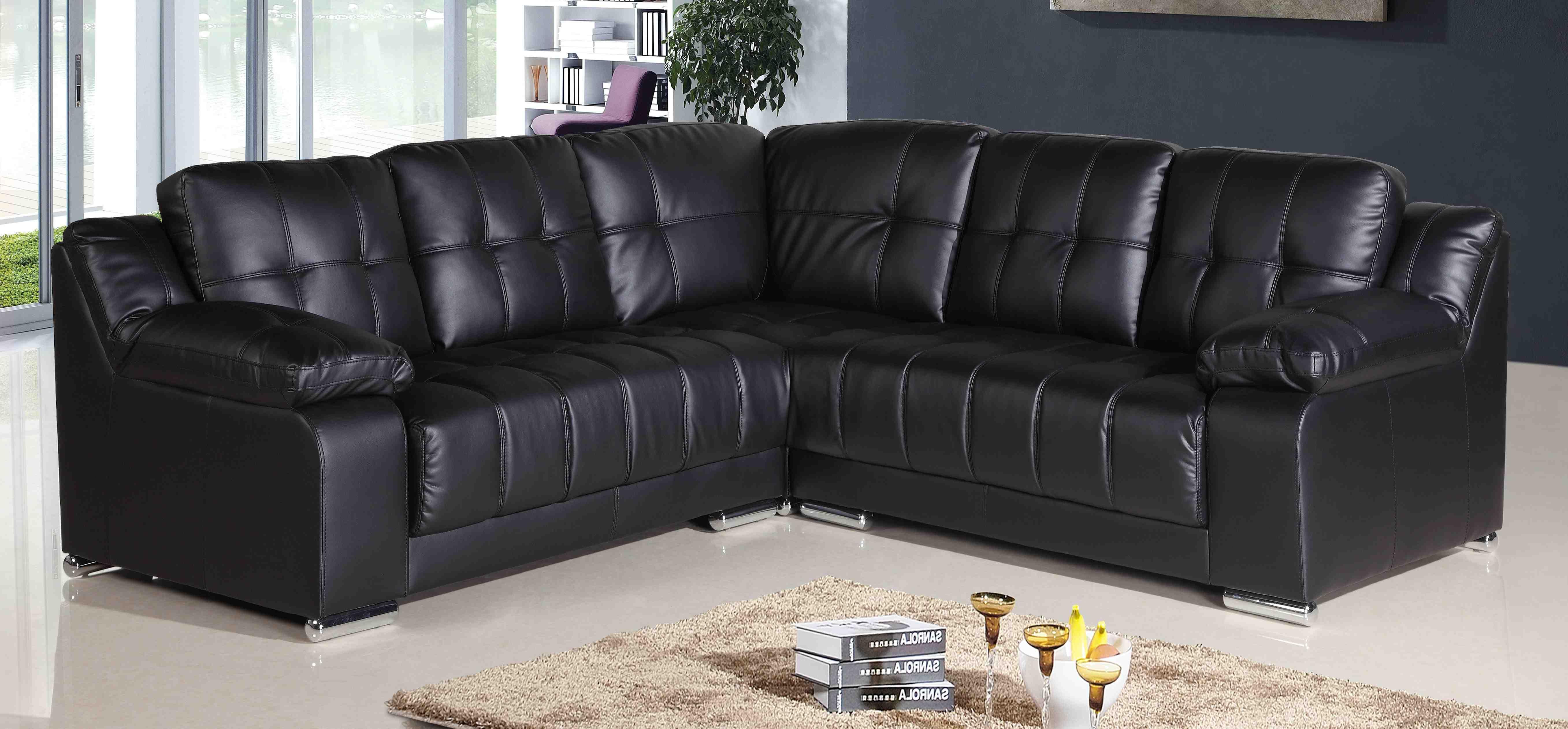 Роскошный мягкий угловой диван в интерьере