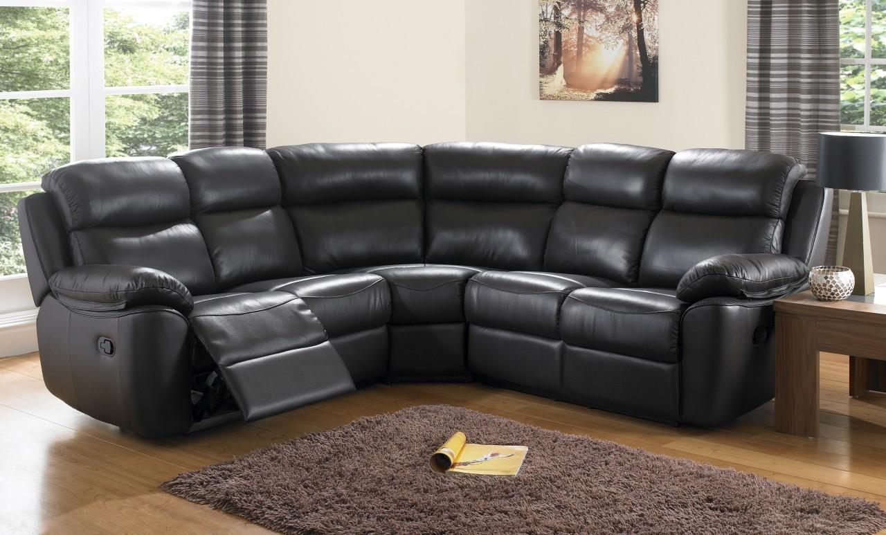 Необычный мягкий угловой диван в интерьере