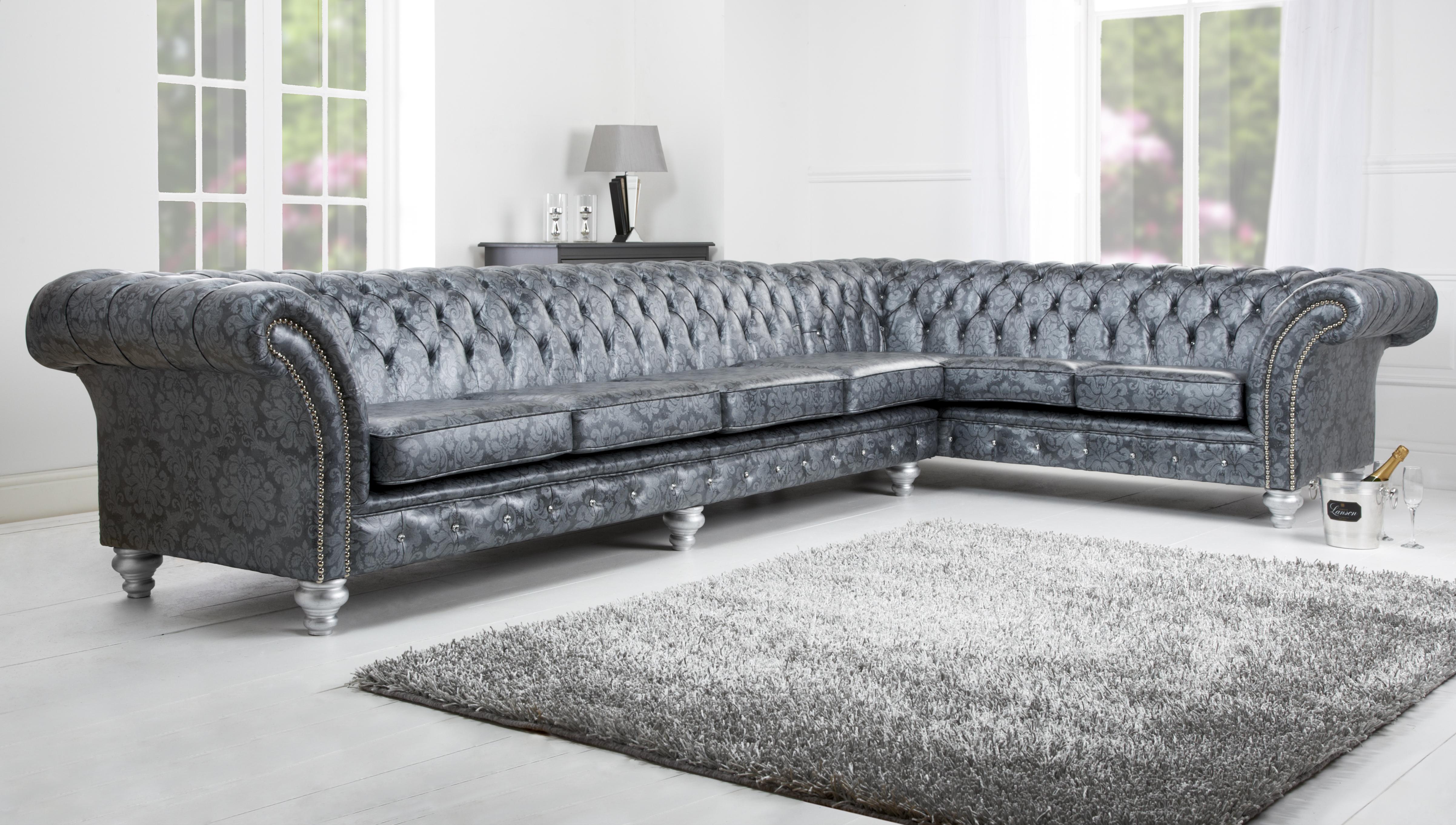 Бесподобный мягкий угловой диван в интерьере