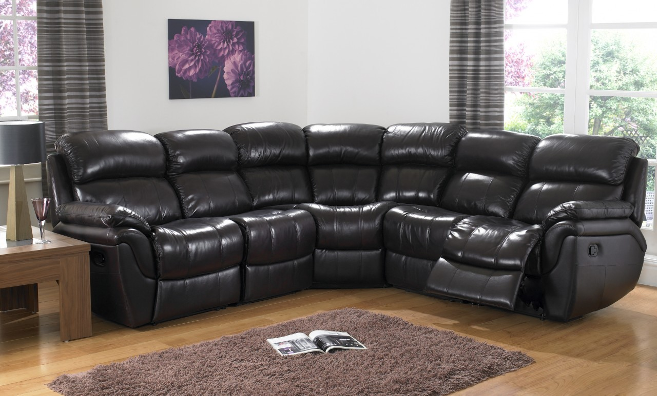 Уникальный мягкий угловой диван в интерьере
