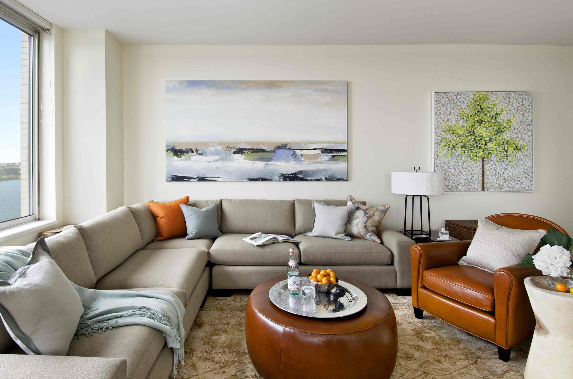 Превосходный мягкий угловой диван в интерьере