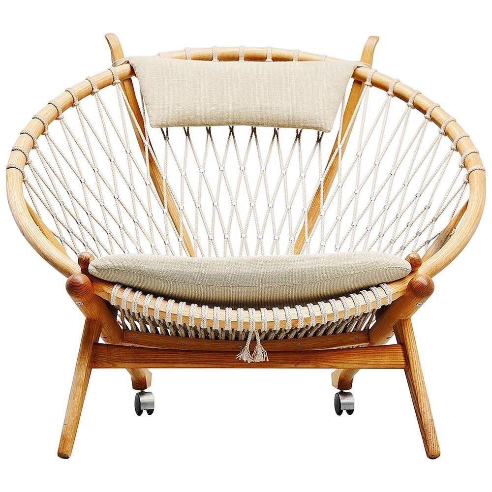 Датский дизайнерский стул в интерьере