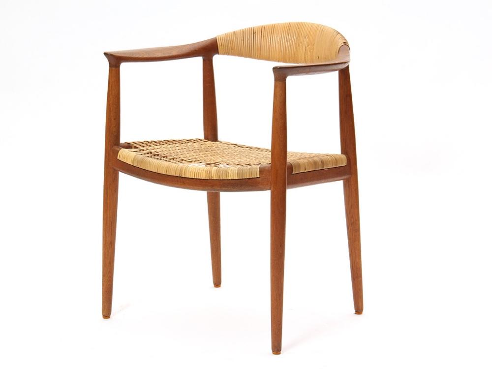 Дизайнерский стул в интерьере от Wegner