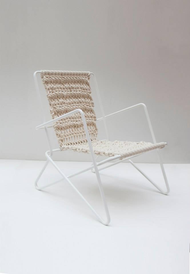 Дизайнерский стул в интерьере W-стул