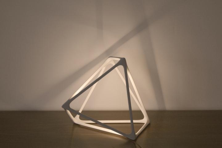 Геометрическая лампа Molecula от Benjamin Migliore