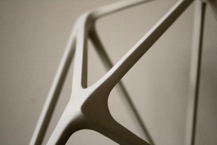 Красивая лампа Molecula от Benjamin Migliore