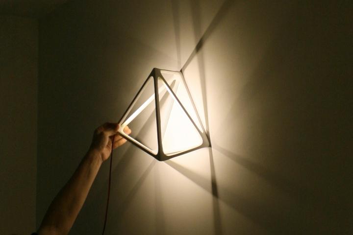 Креативная лампа Molecula от Benjamin Migliore
