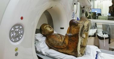 Мумия 1000-летней давности, обнаруженная в статуе Будды