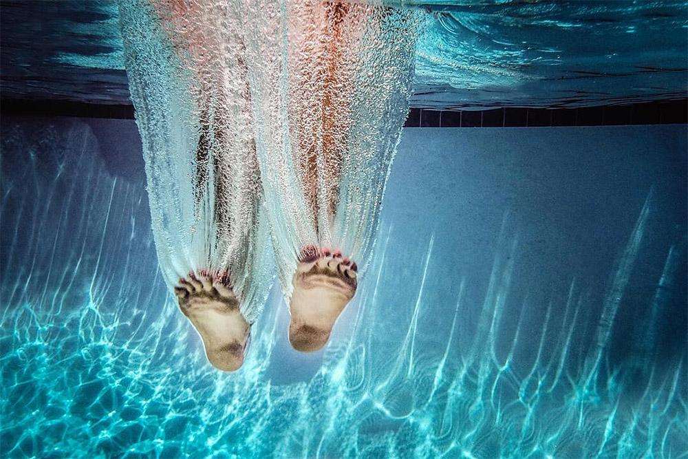Натали Гринройд: удачный кадр погружения в бассейн