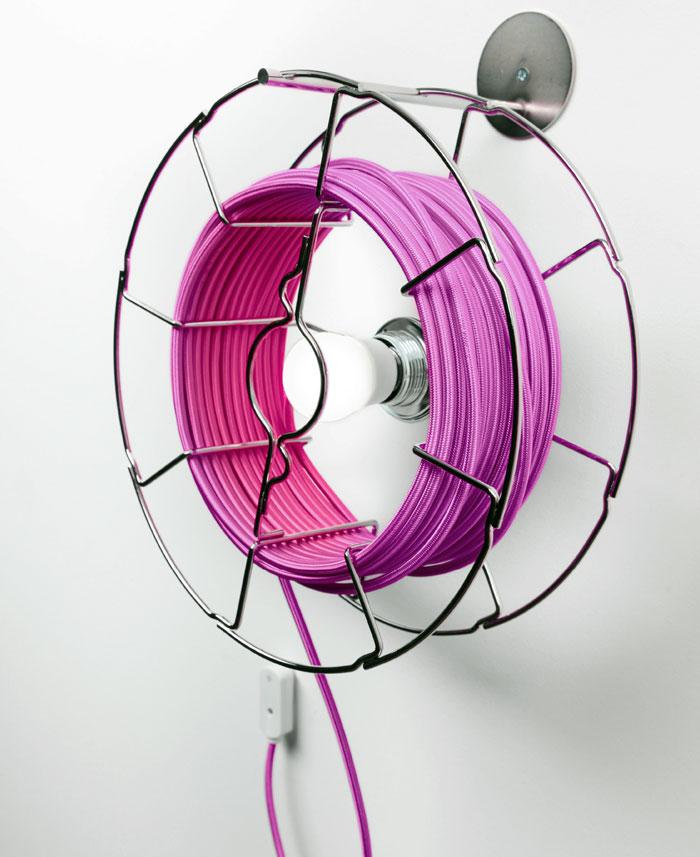 Креативный настольный светильник круглый от Zava Design