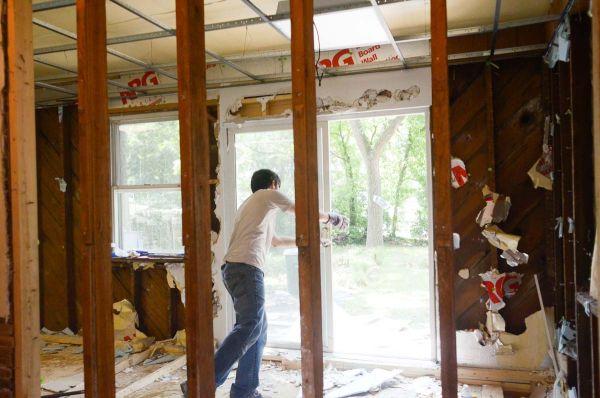 Процесс ремонта в доме