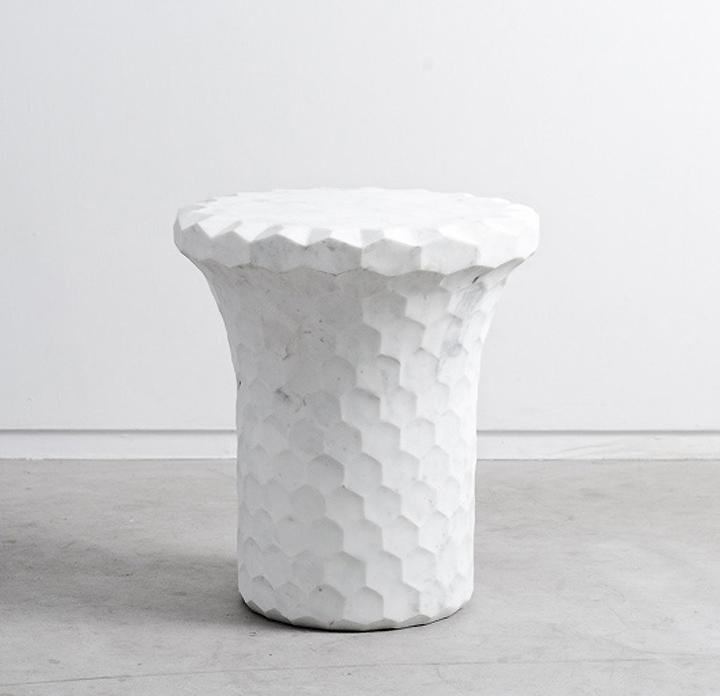 Необычный стул от дизайнера Michael Young