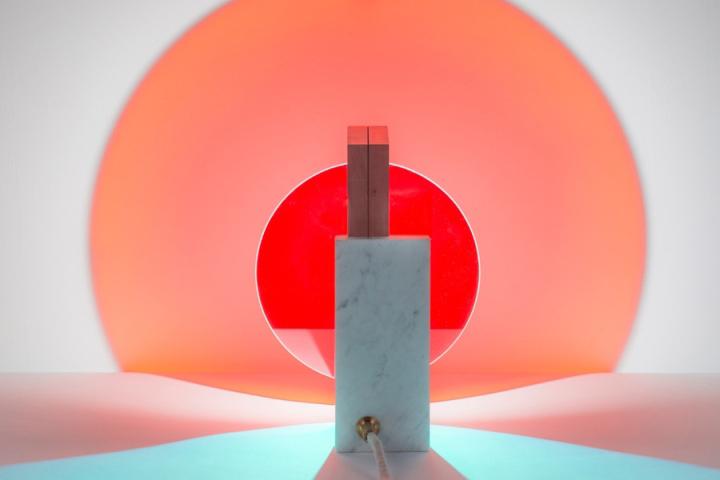 Уникальная лампа Day & Night от Элеонор Делисс