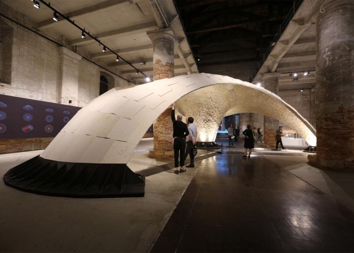 Необычная инсталляция без клея - фото 3