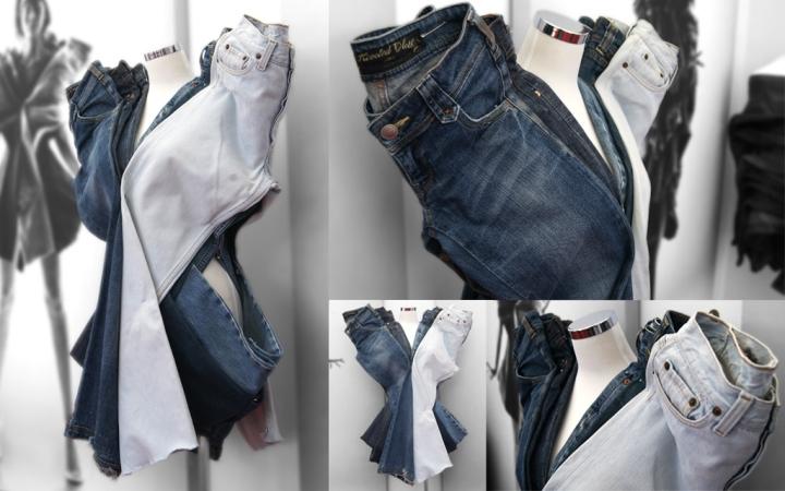 Необычная инсталляция из джинсов, скреплённых булавками