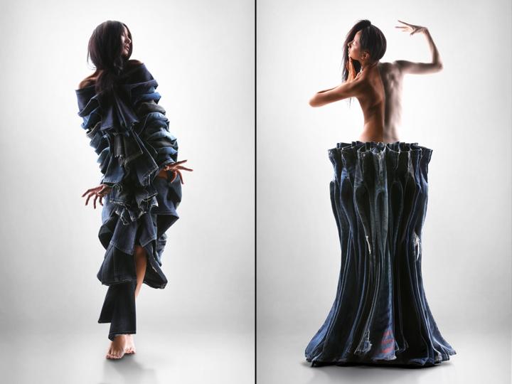 Необычная инсталляция из джинсов: форма брюк сохранена
