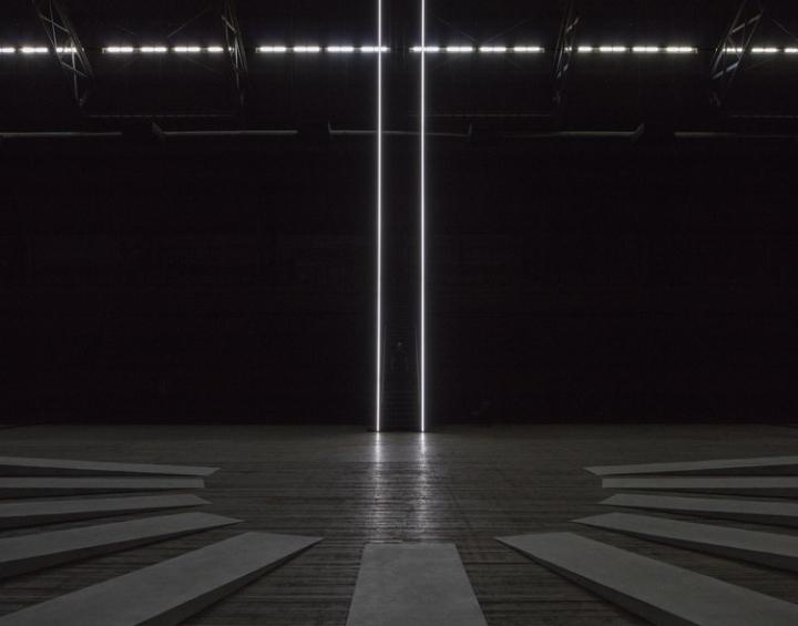 Необычная инсталляция из множества башен: лестница