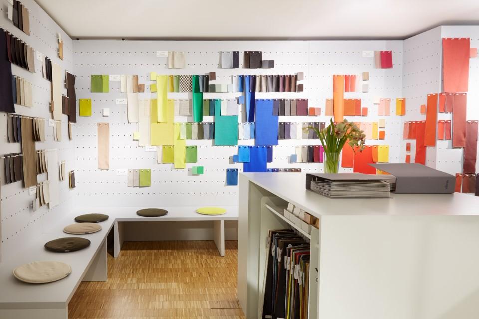 Необычное оформление выставки: прекрасная библиотека цветов