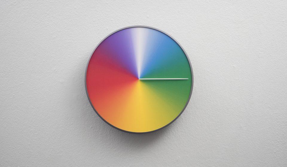 Часы, показывающие время года The Present