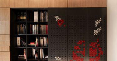 Необычный дизайн дверей: вышивка крестом