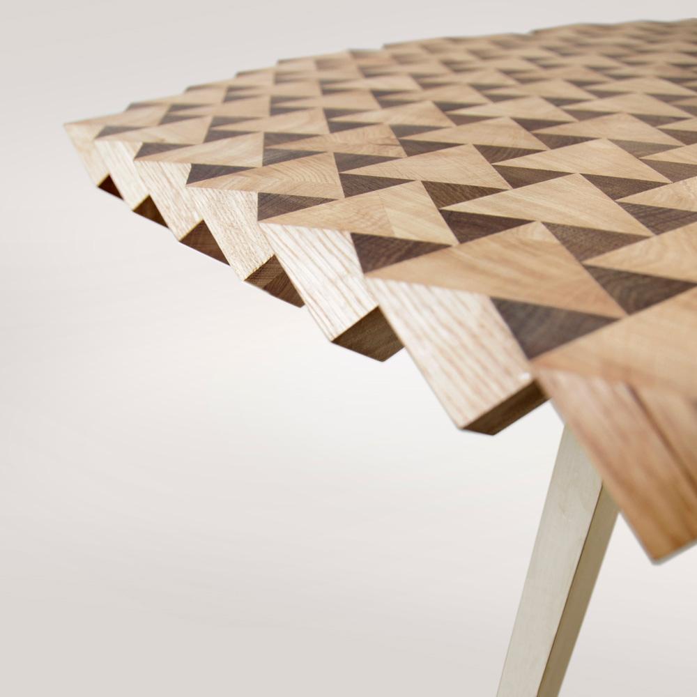 Необычный дизайнерский стол для вашего дома: повёрнутые деревянные кубики