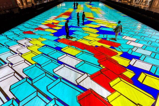Яркий калейдоскоп на полу - Фото 5