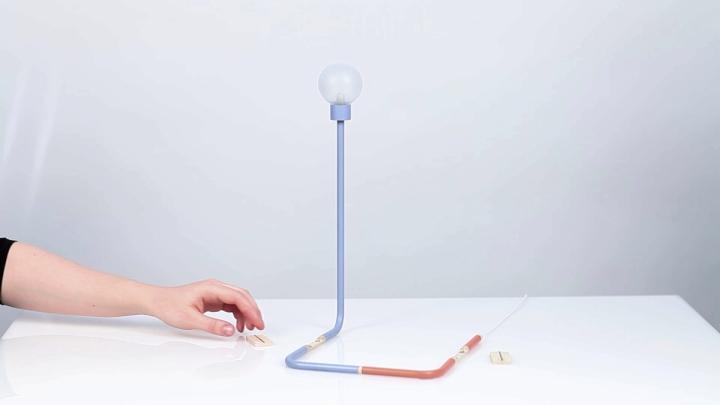 Необычный настольный светильник из серии Play of Dependencies