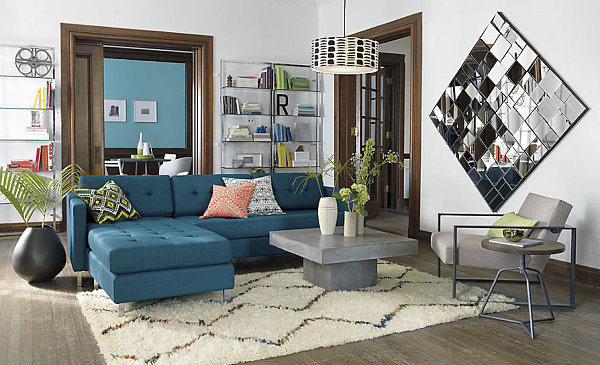 Мягкий ковёр на полу в гостиной