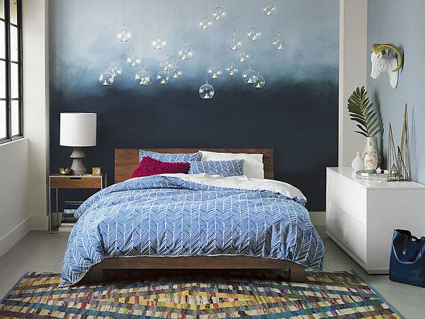 Ковёр с геометрическим узором в спальне