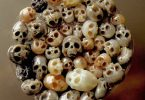 Носимые скульптуры: миниатюрные черепа из новой коллекции Синдзи Накаба