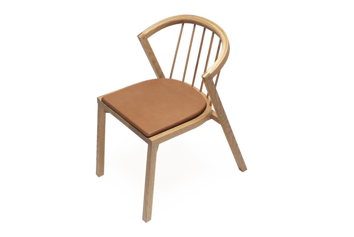 Обеденные стулья в интерьере вашего дома - Church Chair. Фото 1
