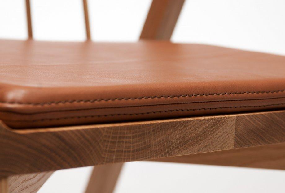 Обеденные стулья в интерьере вашего дома - Church Chair. Фото 2