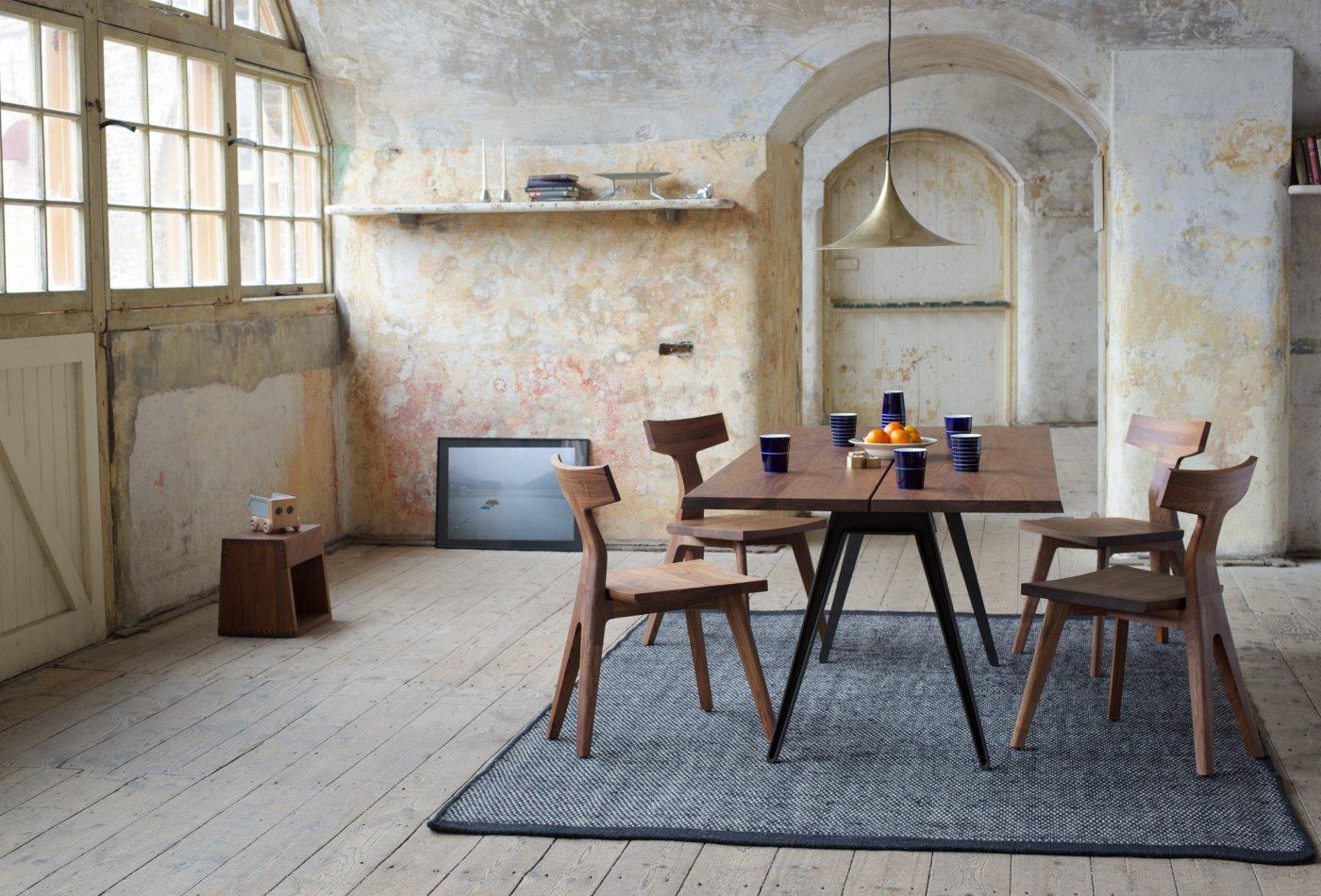 Обеденные стулья в интерьере вашего дома - Fin Dining Chair. Фото 1