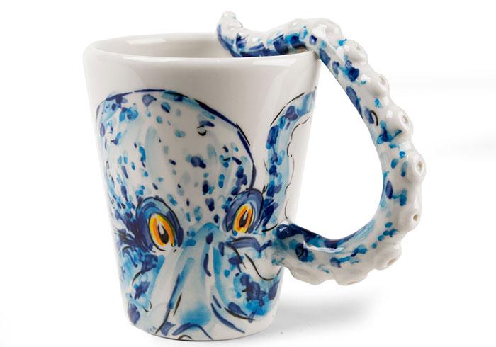 Рисунок осьминог на чашке
