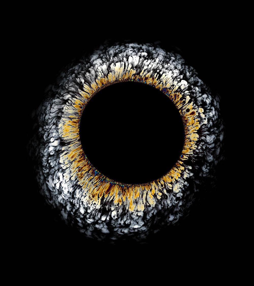 Фабиан Офнер: радужные разливы нефти в фото серии «Oil Spill»