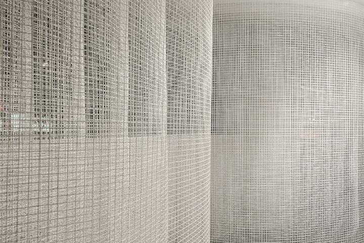 Оформление современной выставки: сетка