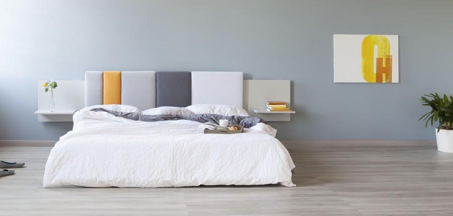 Оригинальное оформление стены над кроватью