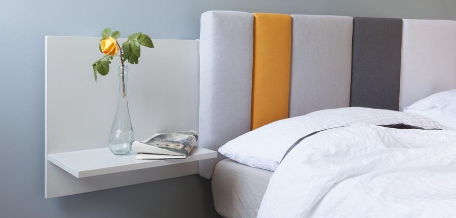 Необычный подвесной ночной столик белого цвета