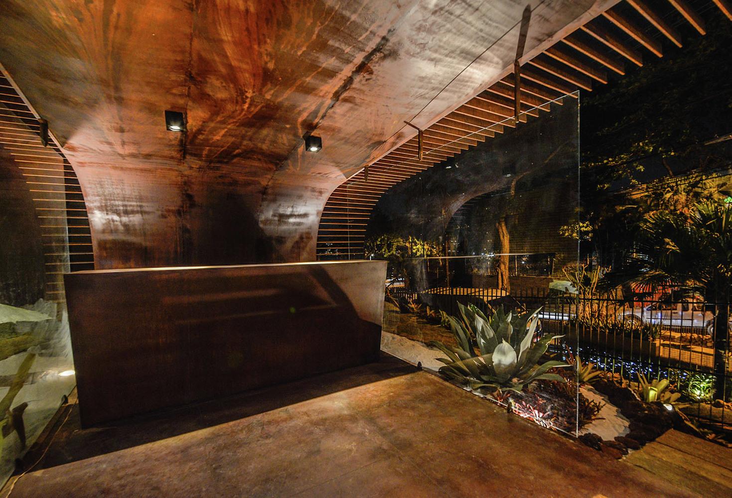 Оформление выставки: стильный интерьер павильона