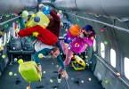 Сцены из клипа к синглу «Upside Down & Inside Out»