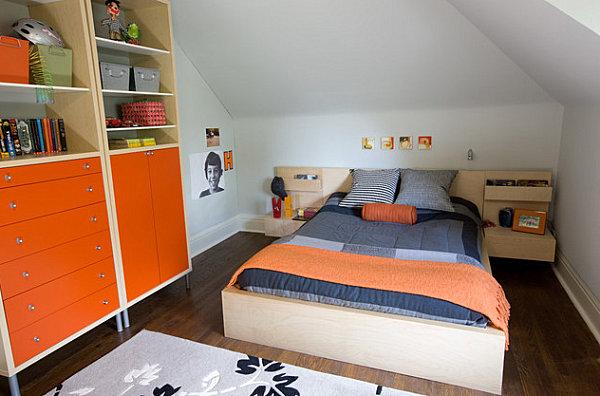 Оранжевый шкаф в спальне