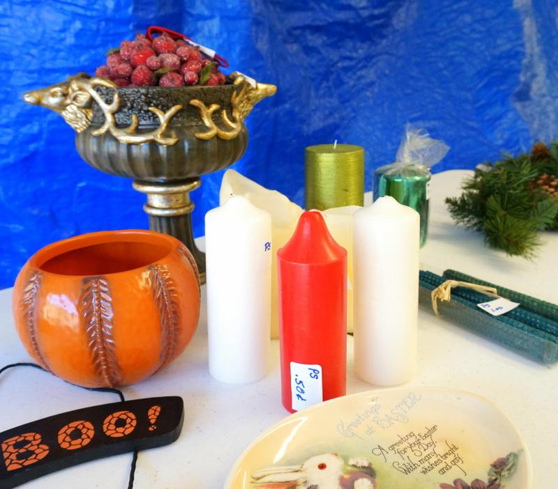 Сувениры на столе